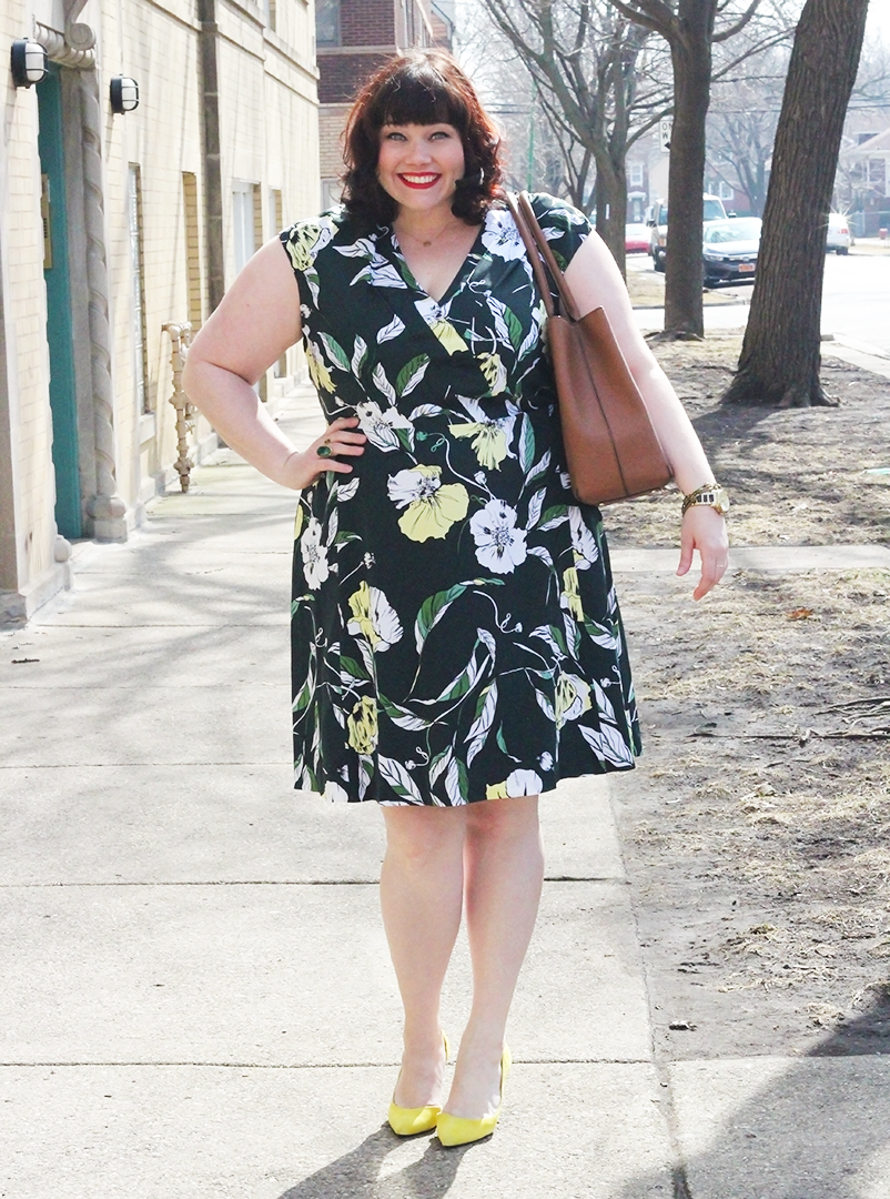 Plus Size Blogger Amber from Style Plus Curves in a Plus Size Classiques Entier Silk Floral Dress
