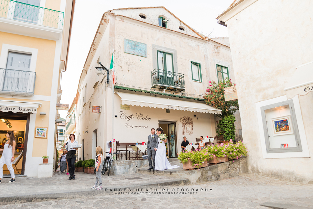 Wedding portrait in Ravello square