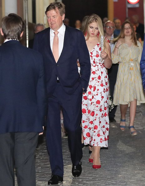 Queen Maxima wore Johanna Ortiz Melodias Salvajes front slit floral print silk dress. Princesses Catharina-Amalia, Alexia and Ariane
