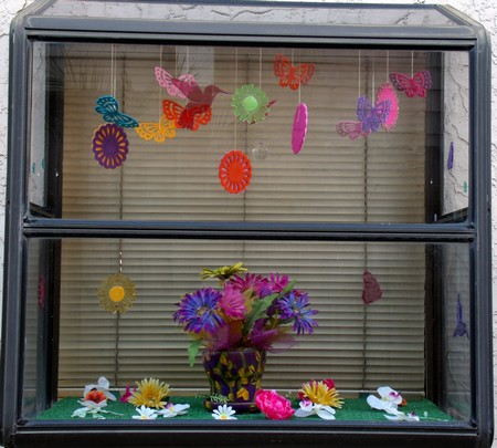 Yvonne's Blog: Garden Window - Spring Decoration