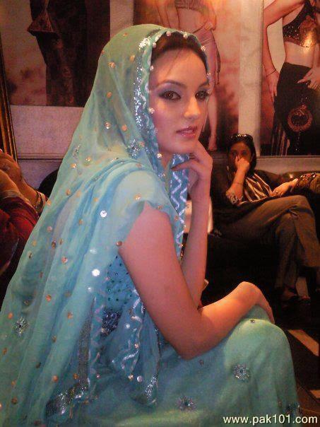 Pakistani Television Captures And Hot Models Sadia Khan Cute-9255
