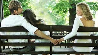36 Ciri ciri suami Selingkuh, istri, pacar, ada wanita lain lewat hp di dunia maya