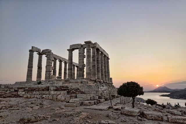 Ελληνική γλώσσα – Η μόνη στον κόσμο που είναι βασισμένη στα Μαθηματικά!