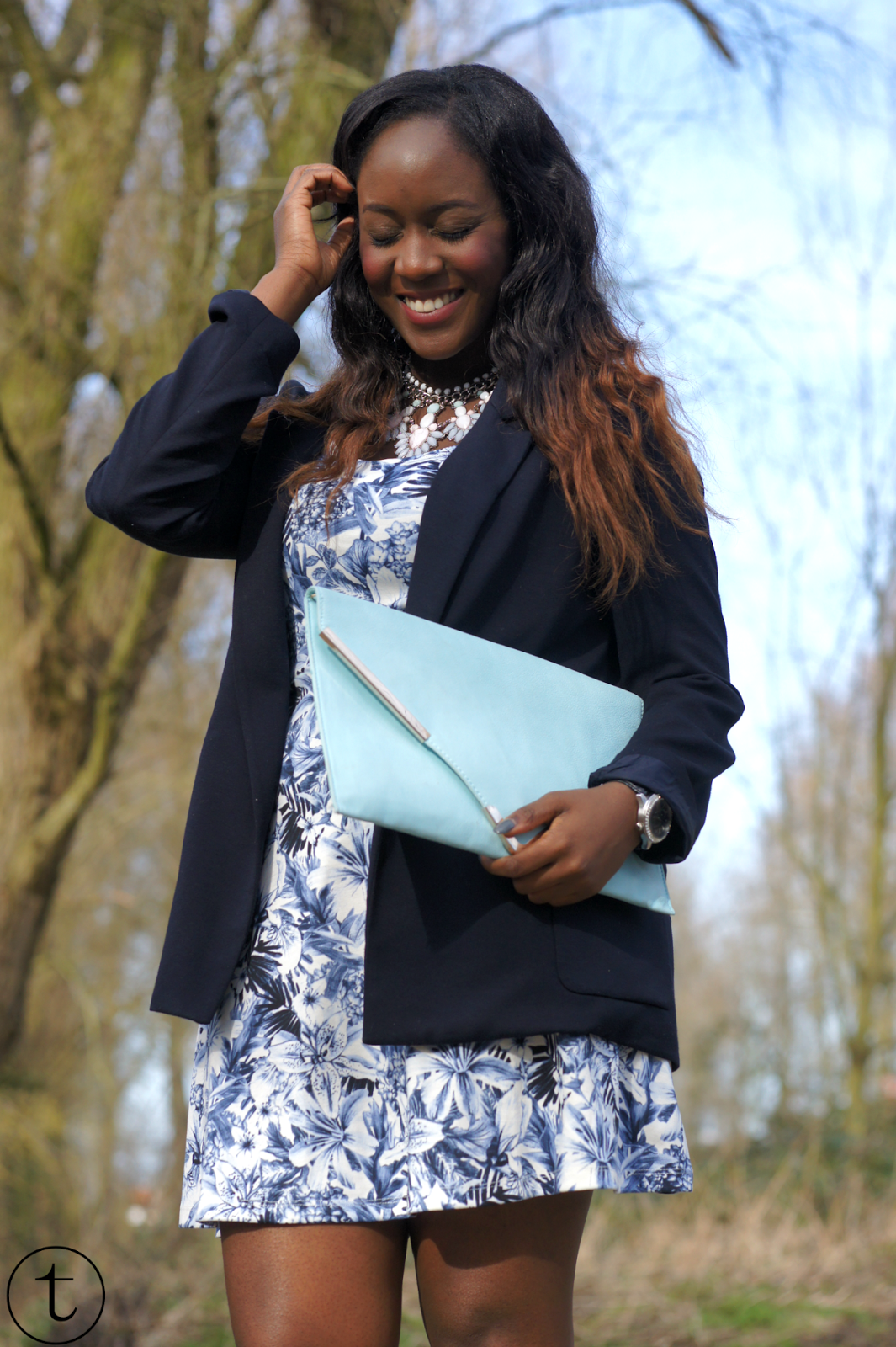 outfit wearing blue zara blazer and blue h&m dress