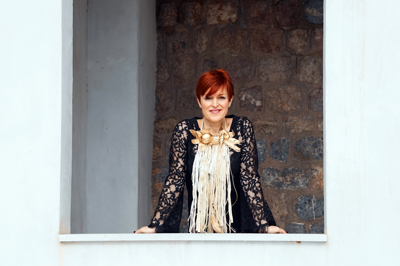 Almamodaaldia - Charo Romero