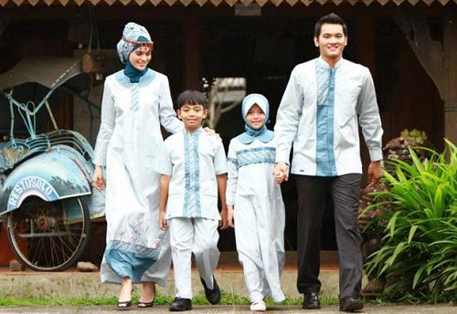 fashion sarimbit untuk keluarga di hari raya