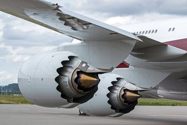 Mid Air Failure of One Engine in a Multi-Engine Aircraft