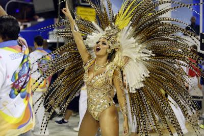 Lexa é a nova rainha de bateria da Unidos da Tijuca — Foto: Marcos Serra Lima/G1