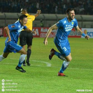 Persib Bandung vs PSM Makassar 1-0