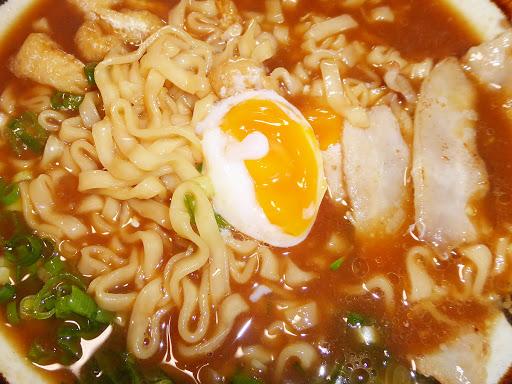 【寿がきや(Sugakiya Foods)】 名古屋の味 八丁味噌煮込うどん〔即席〕