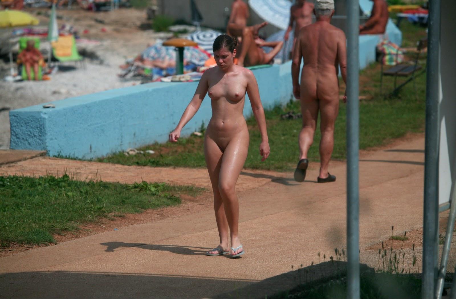 Hidden pool cabin sex 1 7