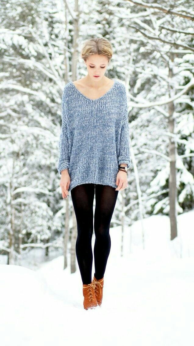 V neck sweater with tights
