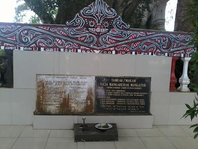 Makam Raja Mangarerak Mangatur
