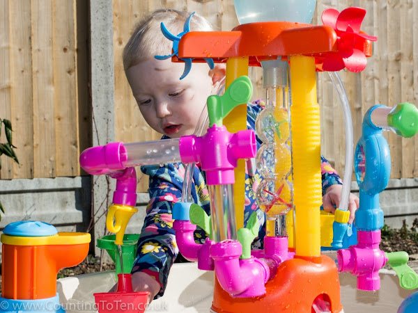 Little Tikes Fountain Factory Water Table Review