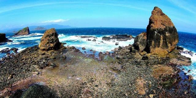 Keindahan Pantai Papuma Jember yang Eksotis