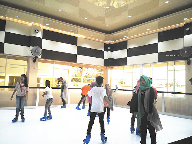 ice skating padang