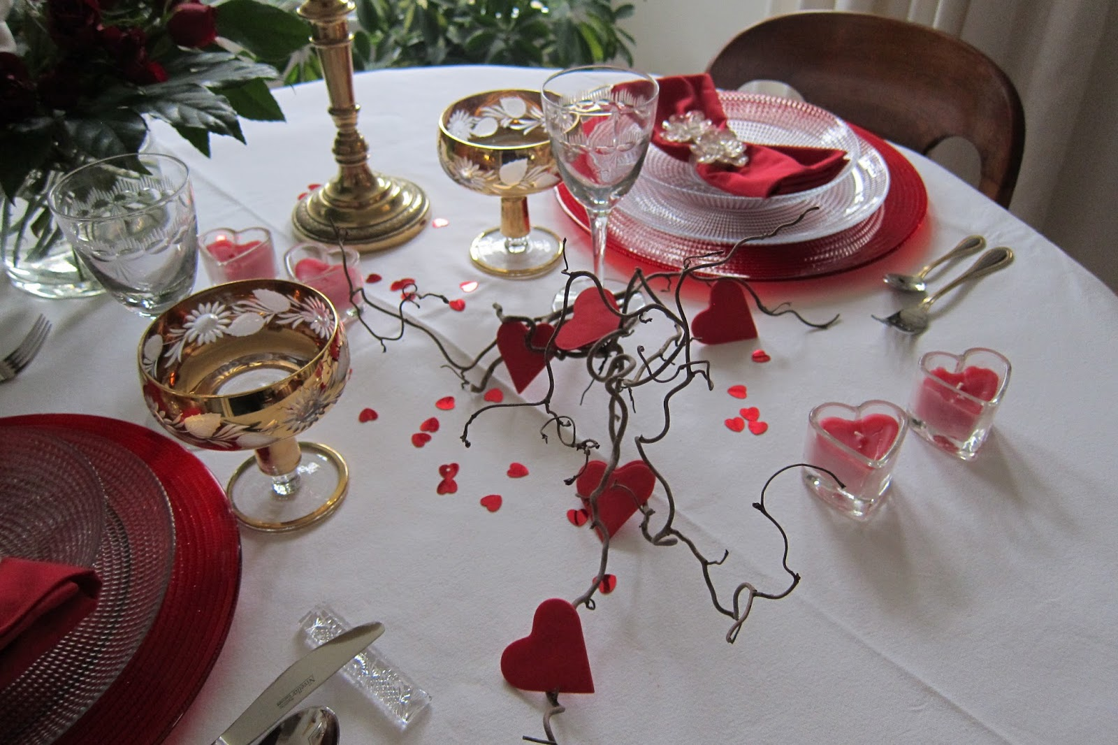 Cr ation baka lila d coration table saint valentin for Decoration porte st valentin
