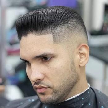 Potongan rambut pria pendek pompadour jel