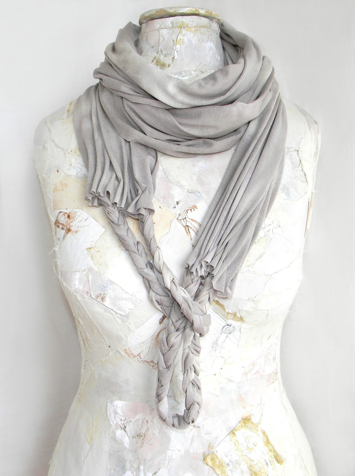 Handmade Jersey Loop Scarf Braided Knit Shawl Fashion Scarflette in Light Grey