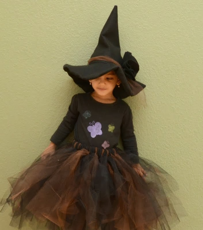 a1cd112fa2d Made in Mommyland  DIY Felt Witch Hat