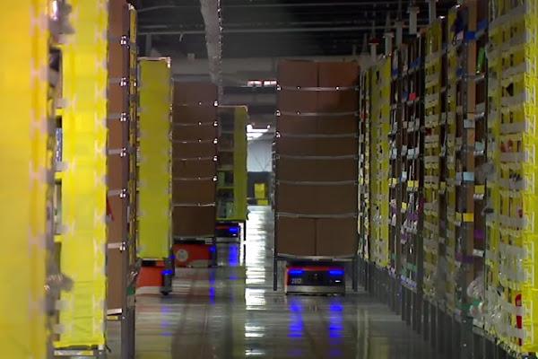 可以舉重的 Kiva 機器人