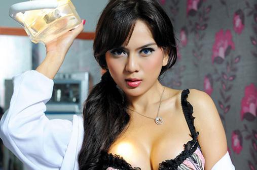 Model Hot Bugil Indonesia: Foto Hot Bugil Anggita Sari Model Majalah Dewasa Terbaru