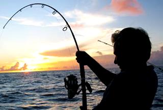 arti mimpi memancing ikan di kolam