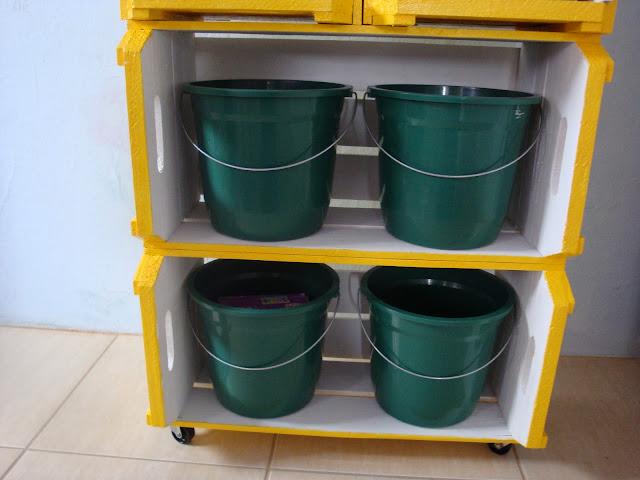 Caixotes e baldes
