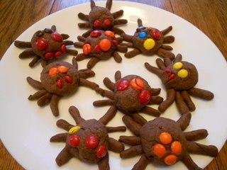"""рецепты на Хэллоуин, Halloween, All Hallows' Eve, All Saints' Eve, закуски на Хэллоуин, салаты на Хэллоуин, декор блюд на Хэллоуин, оформление Хэллоуинских блюд, праздничный стол на Хэллоуин, угощение для гостей на Хэллоуин, кухня монстров, кухня ведьмы, еда на Хэллоуин, рецепты на Хллоуин, блюда на Хэллоуин, оладьи, оладьи из тыквы, тыква, праздничный стол на Хэллоуин, рецепты, рецепты кулинарные, рецепты праздничные, оладьи, тыквенные блюда, блюда из тыквы, как приготовить тыкву, Хэллоуин, на Хэллоуин, из тыквы, что приготовить на Хэллоуин, страшные блюда, блюда-монстры, 31 октября, праздники осенние, Страшные и вкусные угощения для Хэллоуина (закуски, салаты, горячее) http://prazdnichnymir.ru/ Хэллоуин — подборка праздничных рецептов и идейдекор блюд на Хэллоуин, рецепты на Хэллоуин, Хэллоуин, праздничные блюда на Хэллоуин, рецепты,,Hallows' Eve, All Saints' Eve, на Хэллоуин, идеи на Хэллоуин, еда на Хэллоуин, пирожные на Хэллоуин, пирожные, пирожные без выпечки, без выпечки, пирожные-пауки, кирожные """"Картошка"""", пирожные из печенья, из печенье, печенье, к чаю, пирожныена Хэллоуин, пауки,"""