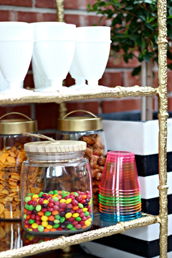 outdoor entertaining, snack station, beverage station, bar cart