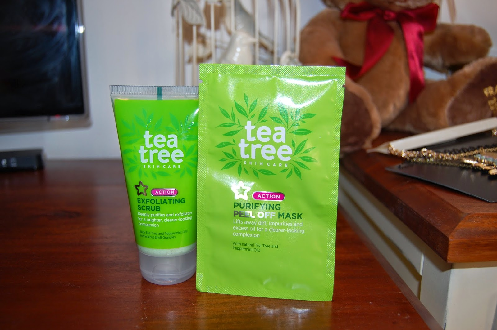 tea tree, skincare, skin care, facial scrub, face mask