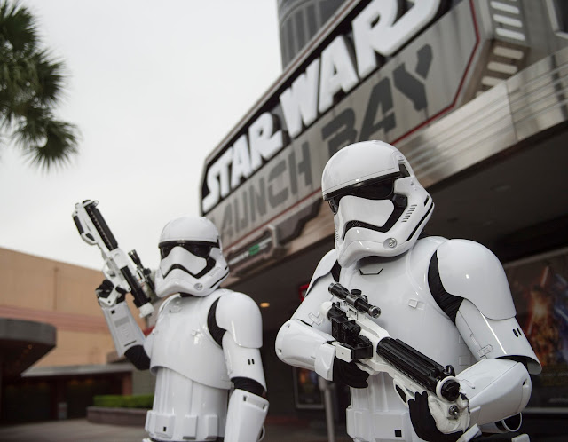 Star Wars Launch Bay showcases large-scale artifacts and encounters with characters including Kylo Ren - Photo credit @Disney