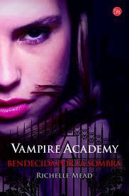 http://entrelibrosytintas.blogspot.com.es/2014/09/resena-vampire-academy-bendecida-por-la.html