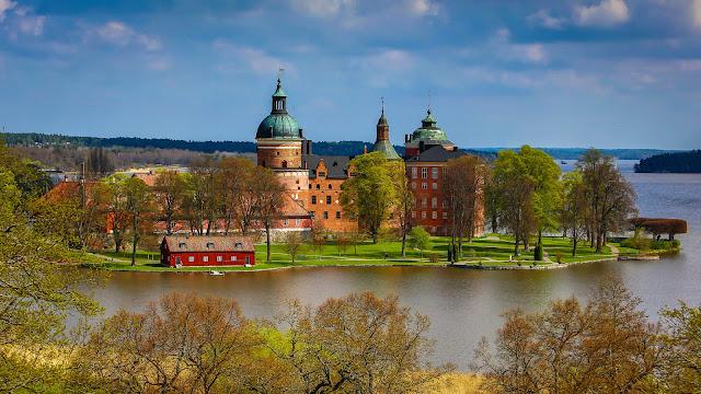 Znalezione obrazy dla zapytania gripsholm castle