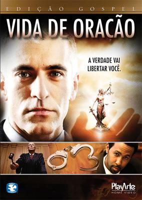 Filme Vida de Oração - Na capa um juiz, dois advogados e uma estátua.