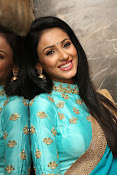 Priyashri sizzling at Majnu audio-thumbnail-17