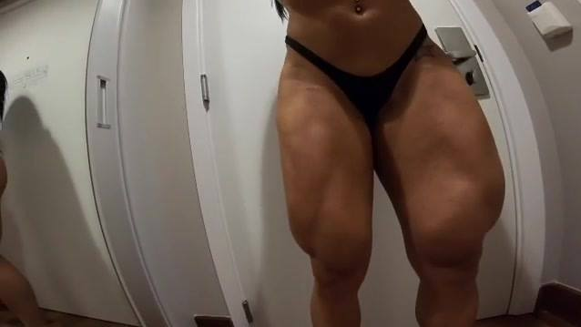 Video Hot Legs Workout, female body-building scene