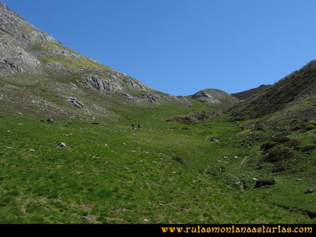 Transcantábrica Tarna-Ponga: Subiendo a la collada Mascaredo
