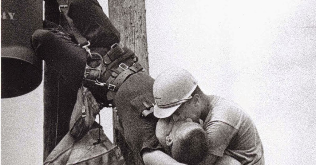 The Kiss Of Life 1967 A Moment In Linemen History Vintage Everyday