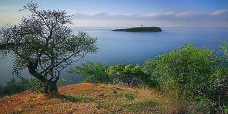 wisata alam bali bukit asah karang asem