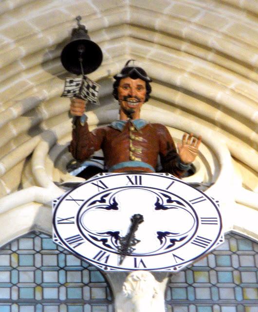 O 'Papamoscas' da catedral de Burgos.
