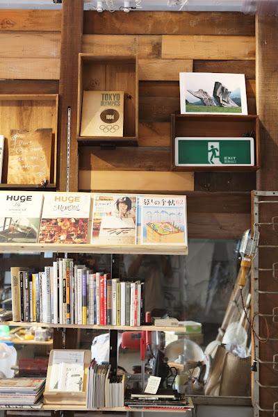 你會記得自己的書在哪個位置,甚至記得某一段落在紙本的右上角或左下角,王士豪攝影