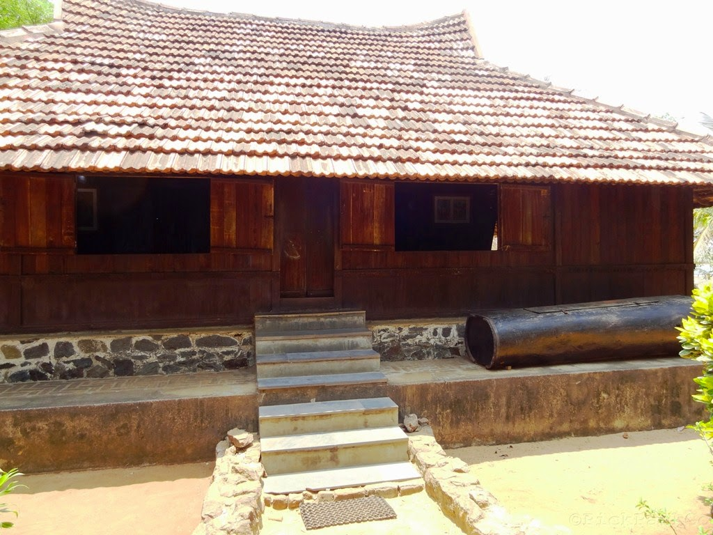 Padippura design images shape kerala home - Dakshinachitra Traditional Hindu Nair House From South Kerala