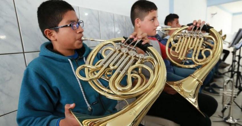 PAPA FRANCISCO EN PERÚ: Niños ensayan temas que tocarán durante su visita a Palacio de Gobierno - www.papafranciscoenperu.org