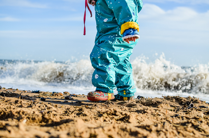 5 ways to play outside in winter, outdoor play, themummyadventure.com