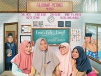 Film Cahaya Cinta Pesantren (2017) HDRip Full Movie