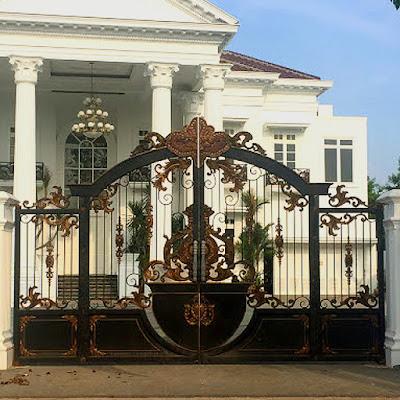 pagar besi tempa adalah pagar klasik