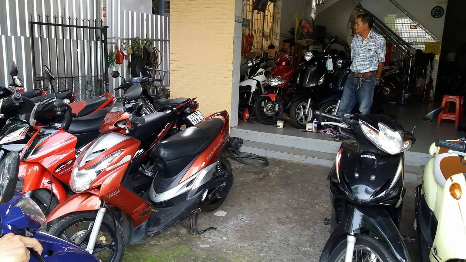 Cửa hàng xe máy cũ Hà Nội (9)
