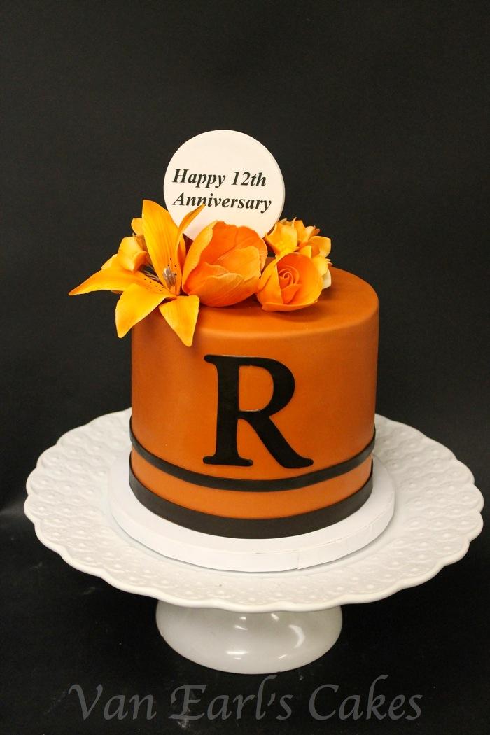 Th Year Anniversary Cake Ideas