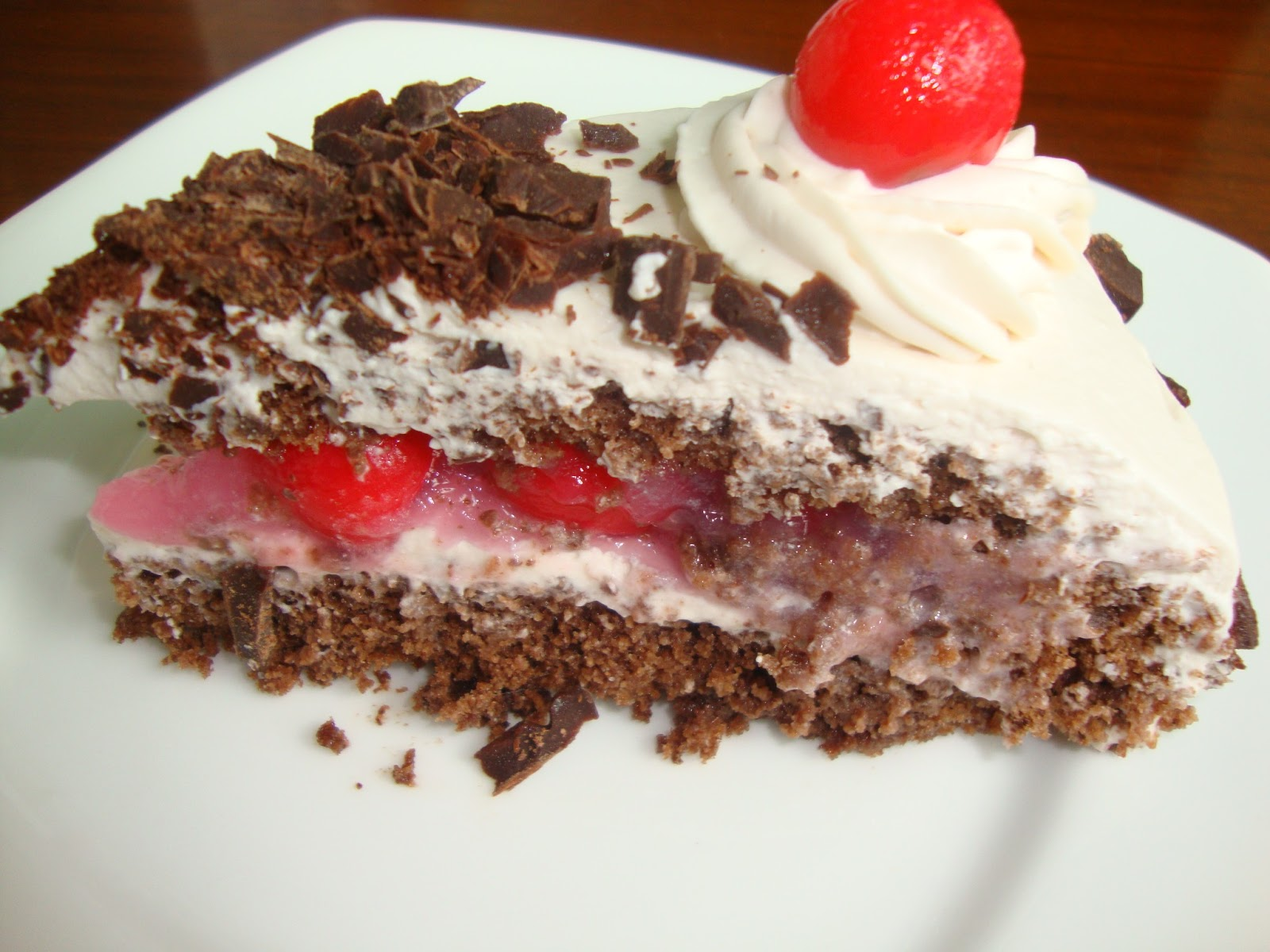 White Forest Cake Recipe In Pressure Cooker: Cooking Delights: Black Forest Cake